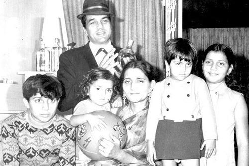 Dharmendra and his first wife and kids