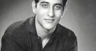 Old Picture of Vinod Khanna