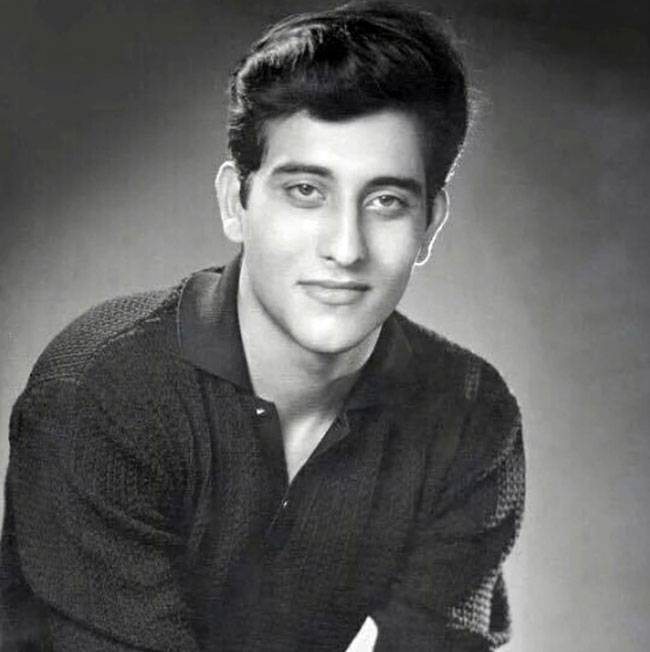 Biography Of An Amazing Actor - Vinod Khanna