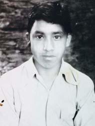 childhood picture of Adityanath yogi